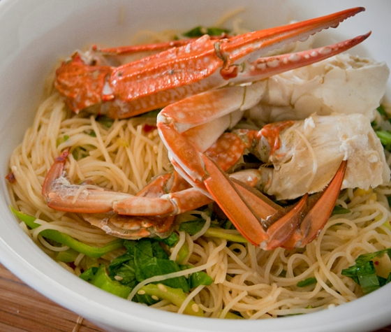 Steamed blue swimmer crabs with vermicelli noodles in a lemon soy dressing